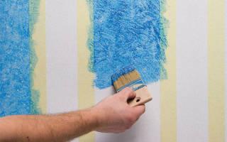Как правильно красить обои