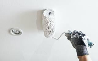 Как правильно красить потолок водоэмульсионной